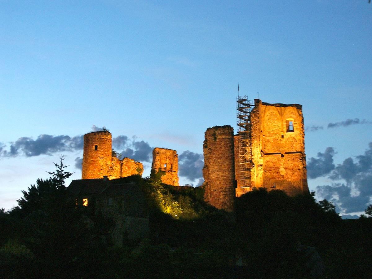 chateau feodal de herisson