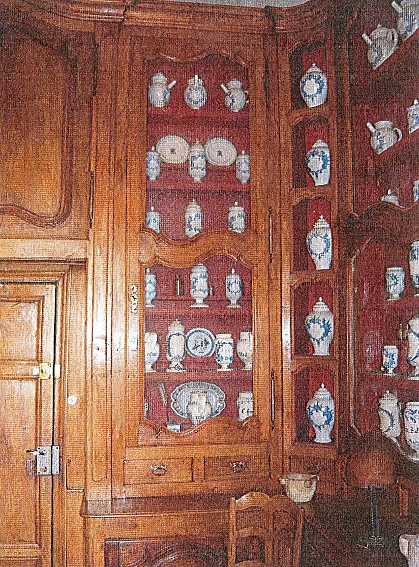 APOTHICAIRERIE ET CHAPELLE DE L'HOTEL DIEU A BEAUJEU