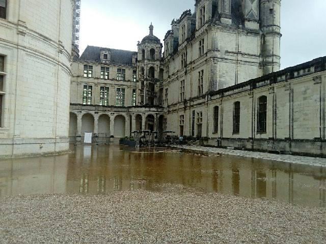 SAUVEGARDE DU DOMAINE DE CHAMBORD APRÈS INONDATIONS