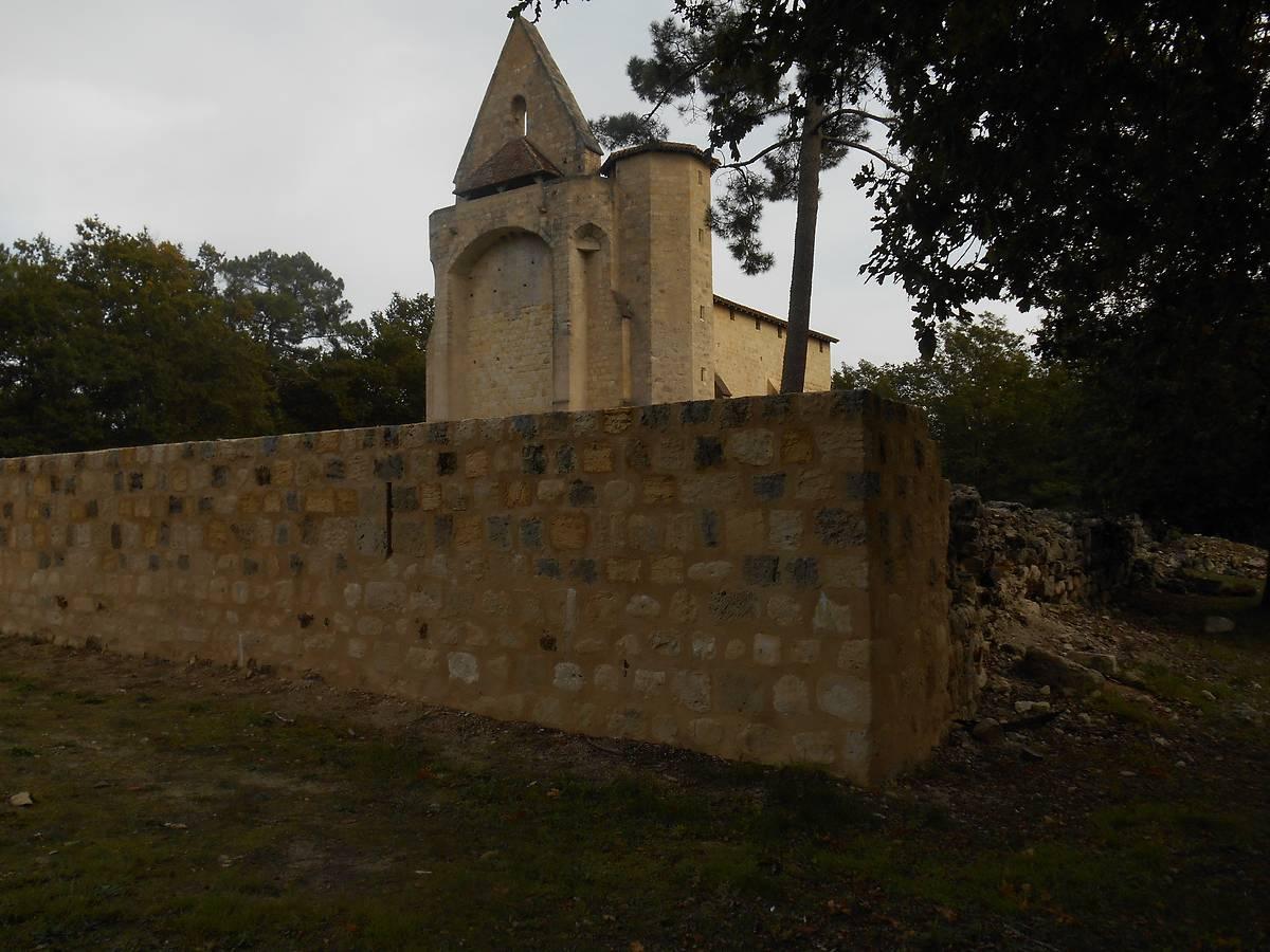 Enceinte de l'église Saint-Clair de Gouts à Allons après 1ère phase de travaux