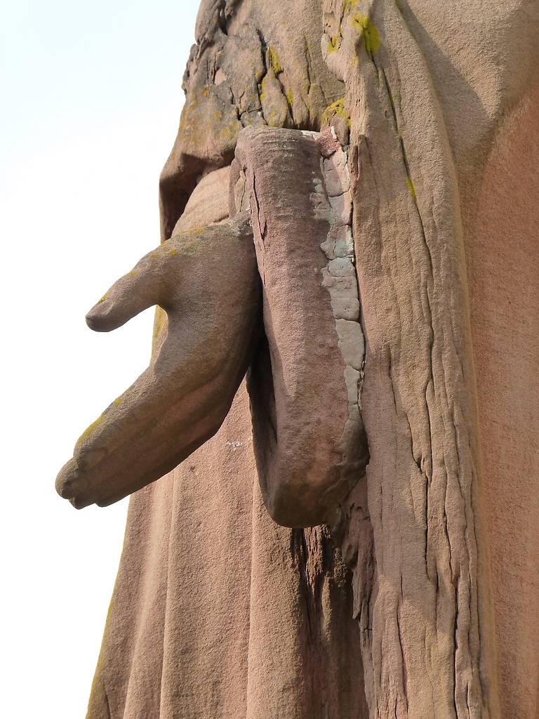 TROIS TABLEAUX ET UNE STATUE MONUMENTALE DE L'EGLISE DE MUNCHHOUSE