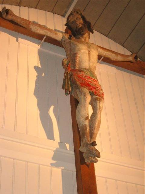 STATUE DU CHRIST EN CROIX À VROVILLE