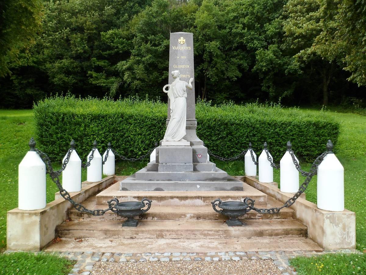 MONUMENT AUX MORTS DE VAUQUOIS