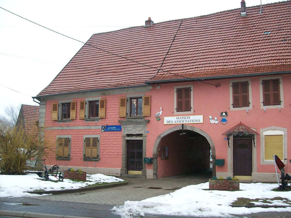 BATIMENT COMMUNAL (MAISON DES ASSOCIATIONS) A LOHR