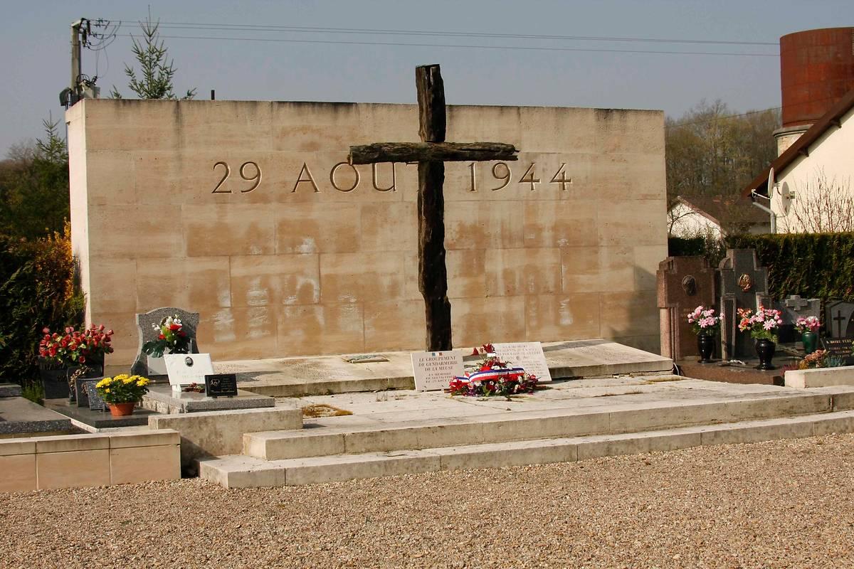 MONUMENT DES FUSILLES A ROBERT-ESPAGNE