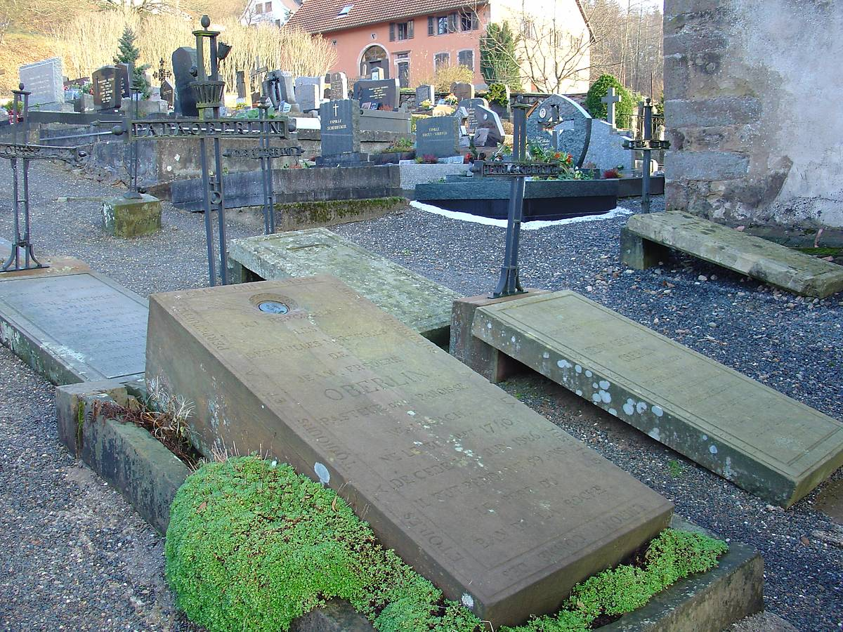 TOMBE DU PASTEUR OBERLIN A FOUDAY
