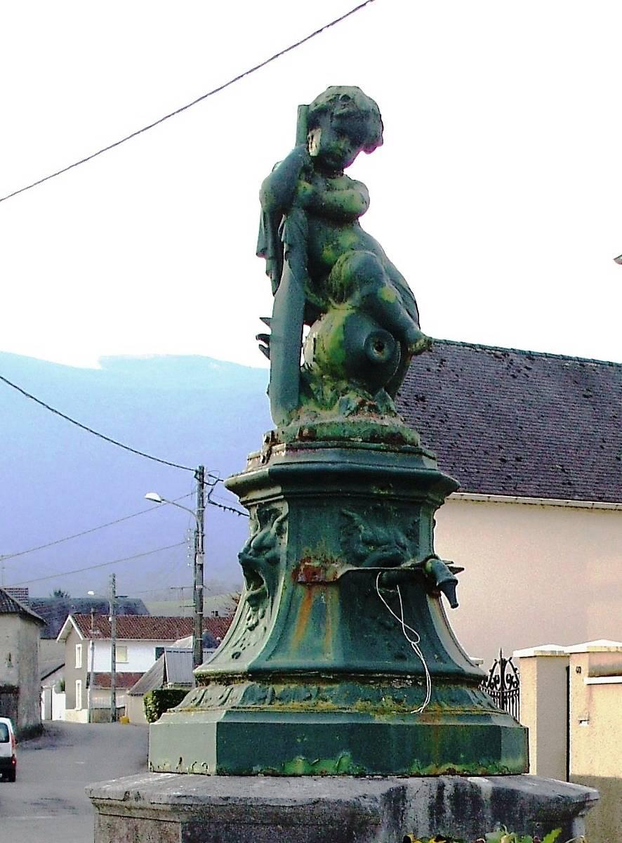 Fontaine de l'enfant à la rame, Montaut,