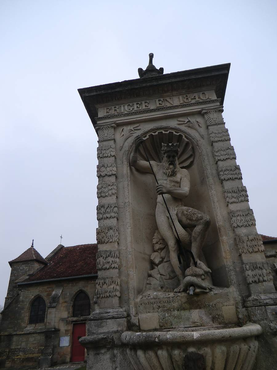 FONTAINE NEPTUNE D'ANDERNAY