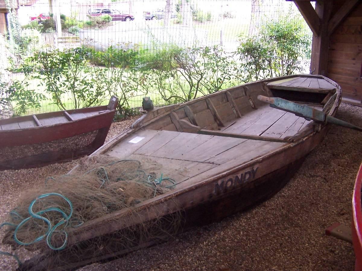 campagne je donne pour un bateau barque de peche le mondy