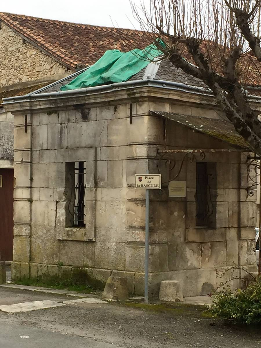 Poids public de Lisle, Dordogne