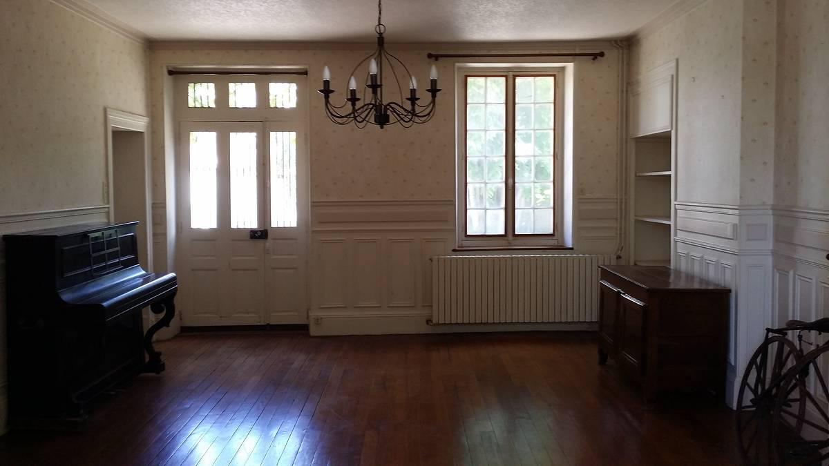 Maison des renoir a essoyes for Renoir maison classique