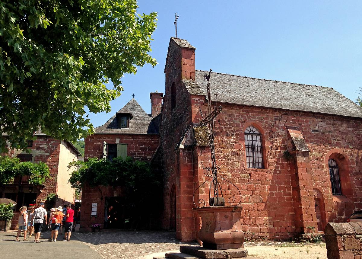 VITRAUX DE LA CHAPELLE DES PENITENTS DE COLLONGES