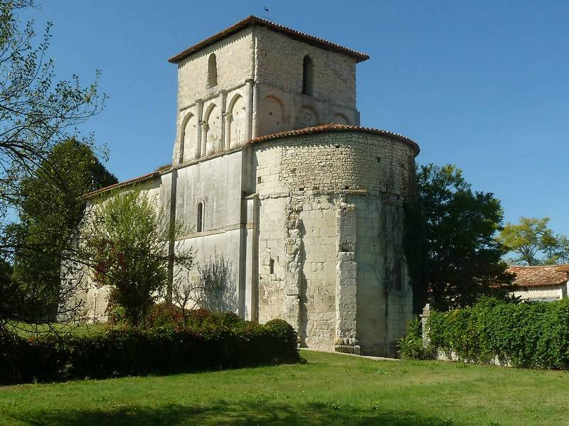 EGLISE DE SAINT-LAURENT-DES-COMBES