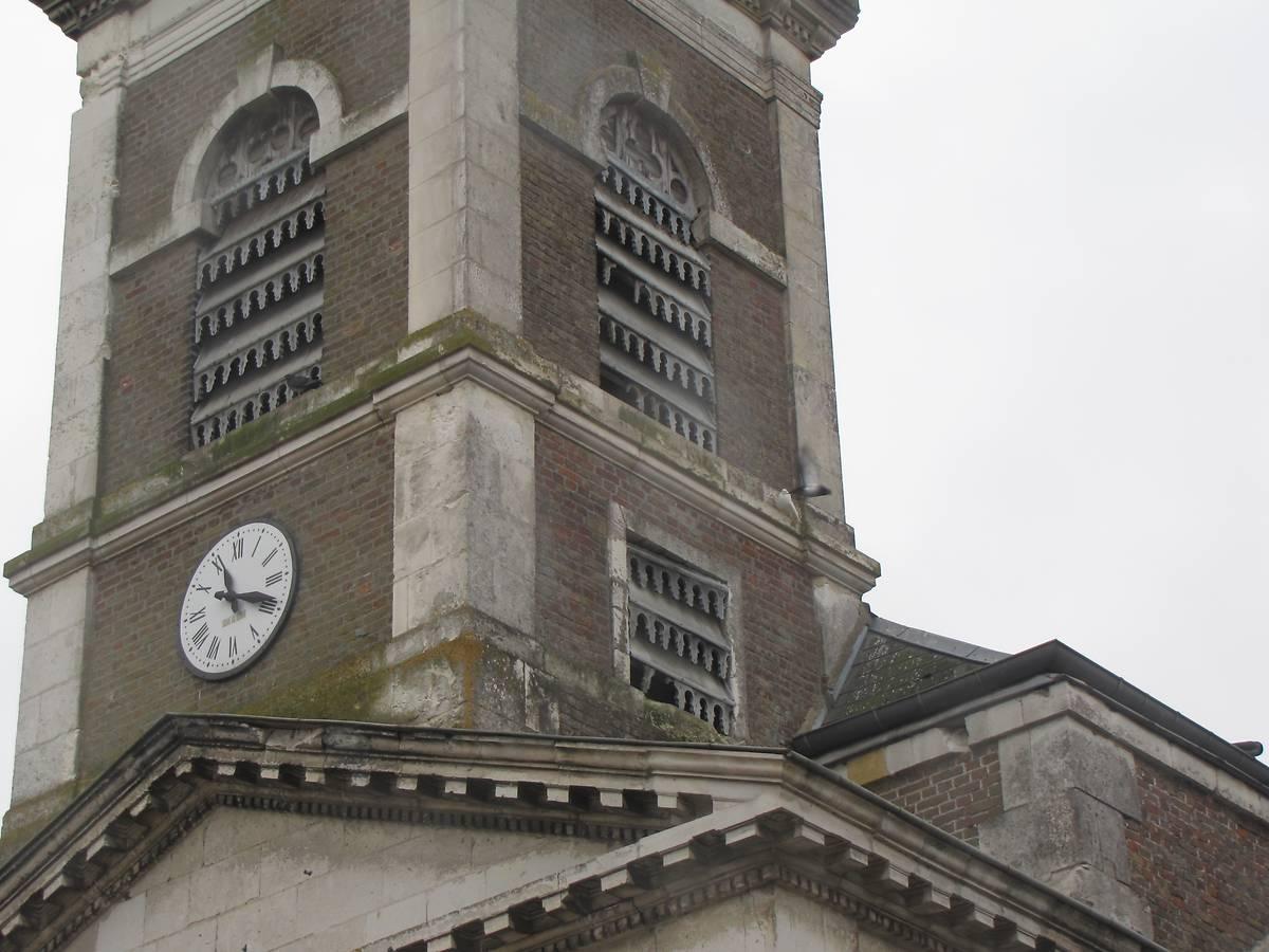 Clocher de l'église Saint-Laurent de Bussy