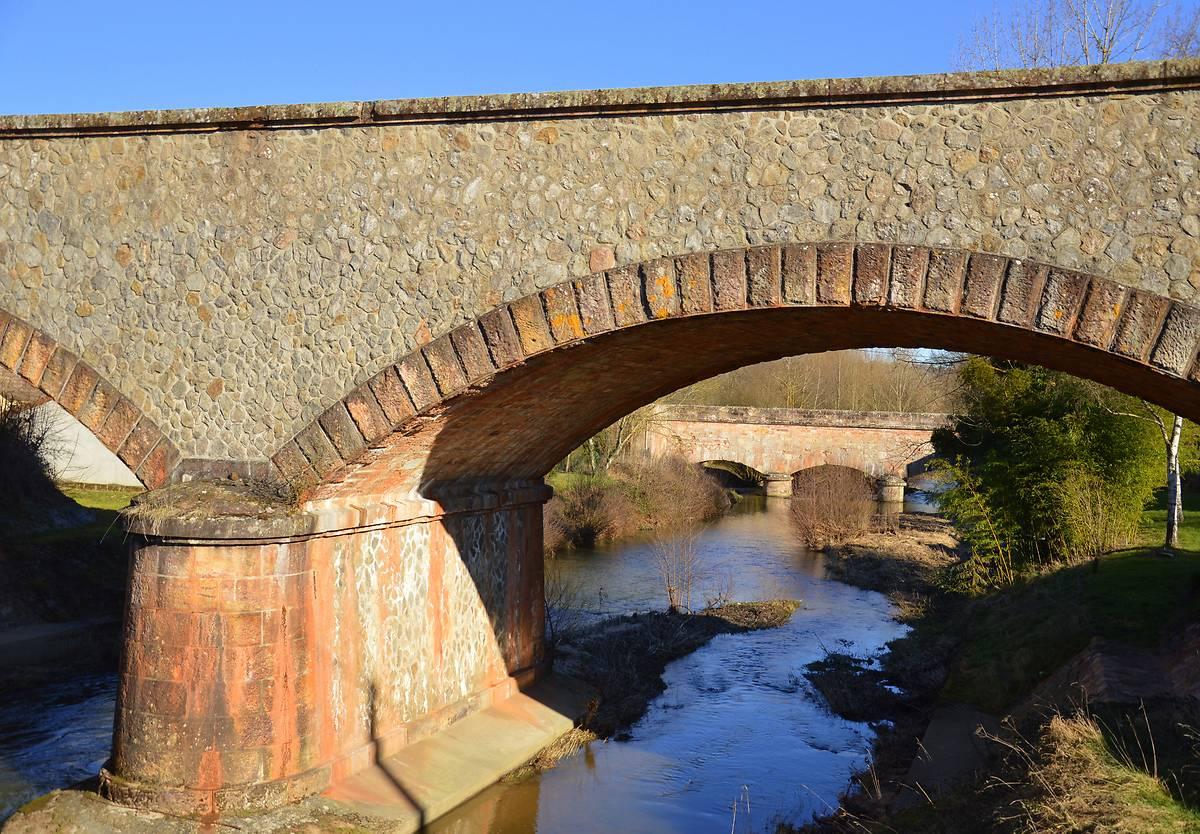 PONT CANAL DE CHANTEMERLE A VAUX