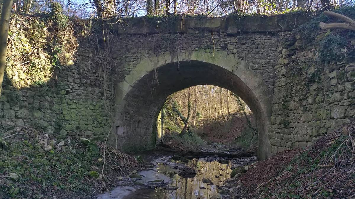 PONT BAT CHEVAL A FLACOURT
