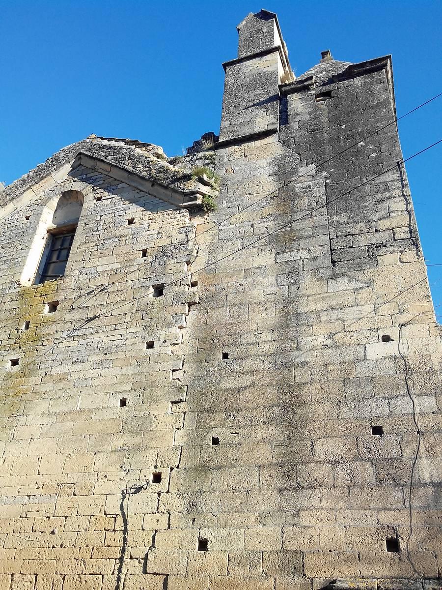ANCIENNE EGLISE NOTRE DAME DE BETHLEEM ET TOUR DES GARDES DE REMOULINS