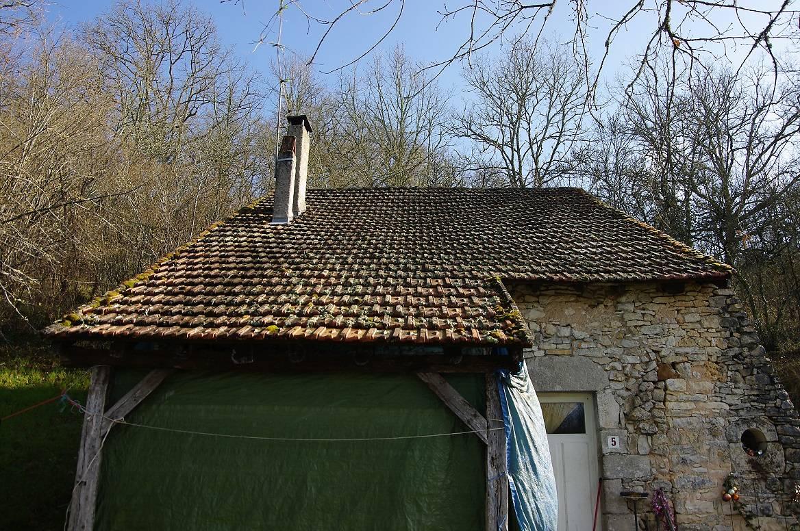 Toiture à renover à Ajat, Dordogne