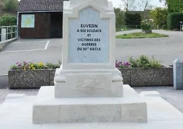 MONUMENT AUX MORTS DE EUVEZIN