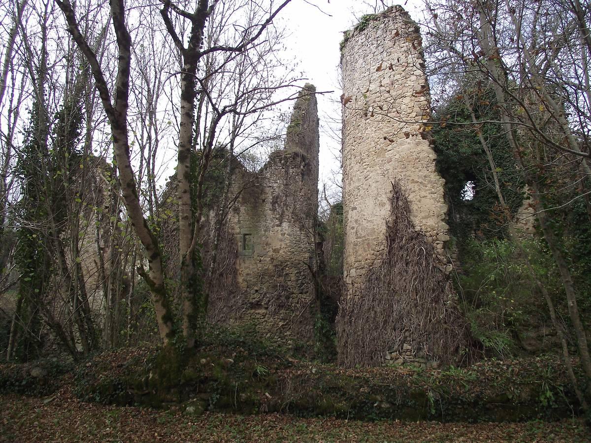 RESTAURATION DE L'ANCIENNE FORTERESSE DE LAVAUGUYON
