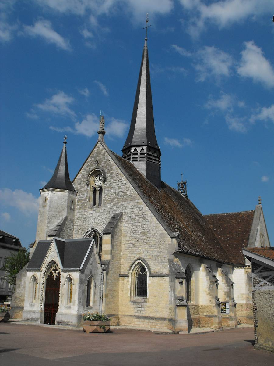 EGLISE DE SAINT JULIEN LES VILLAS