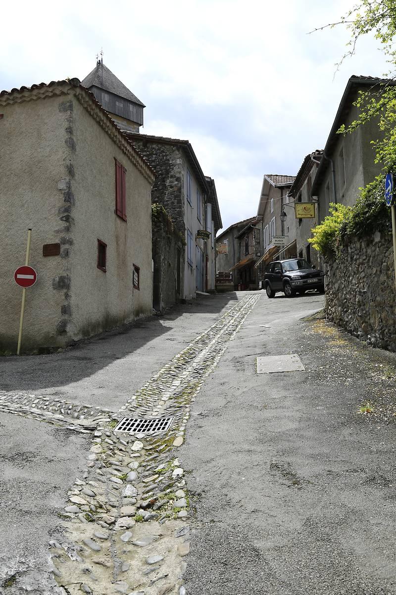 RUE PORTE MAJOU À SAINT BERTRAND DE COMMINGES