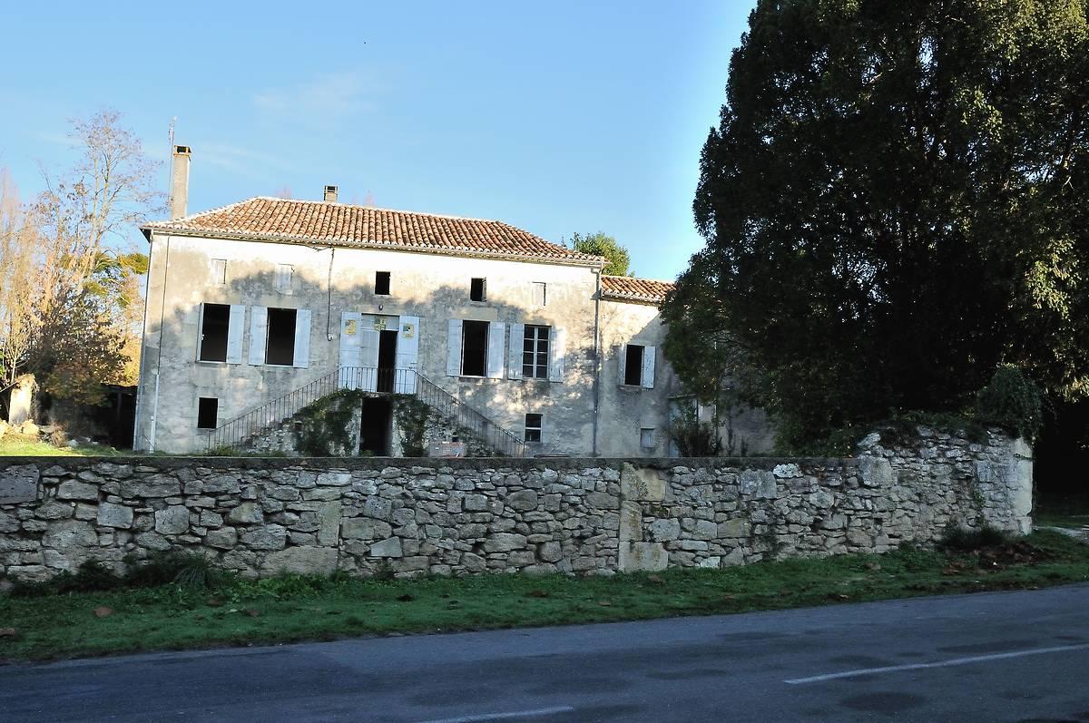 PRESBYTÈRE DE SAINT MÉARD DE GURÇON