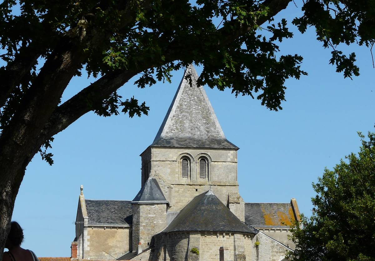 EGLISE SAINT PHILBERT DE BEAUVOIR SUR MER