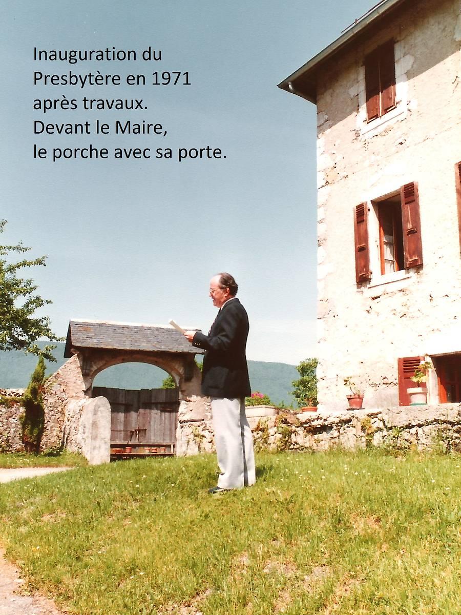 PORCHE DU JARDIN DU PRESBYTÈRE A LE CHATELARD