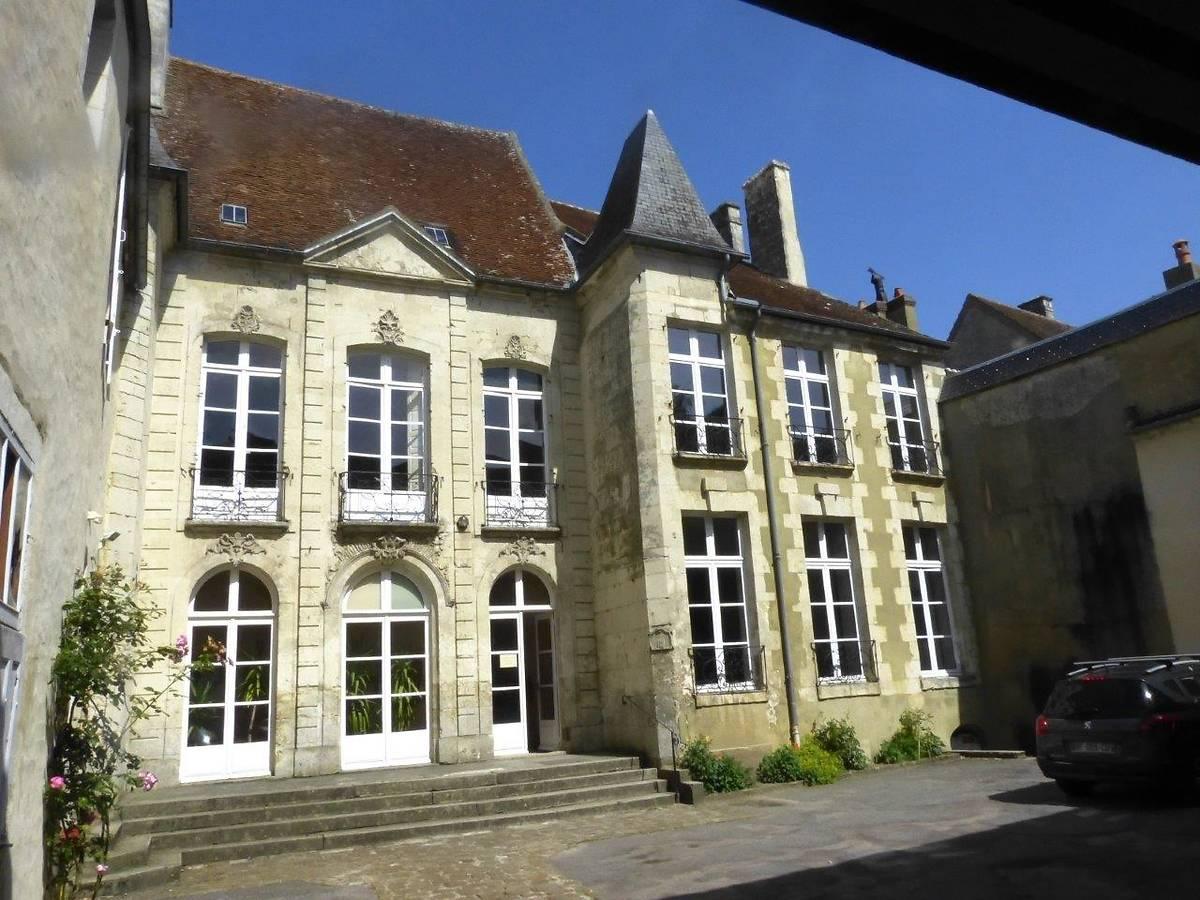 HOTEL DE FONTENAY - MORTAGNE AU PERCHE