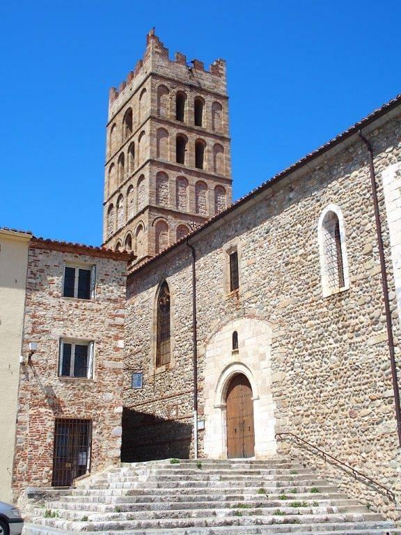 La cathédrale Sainte-Julie-et-Sainte-Eulalie et le cloître d'Elne