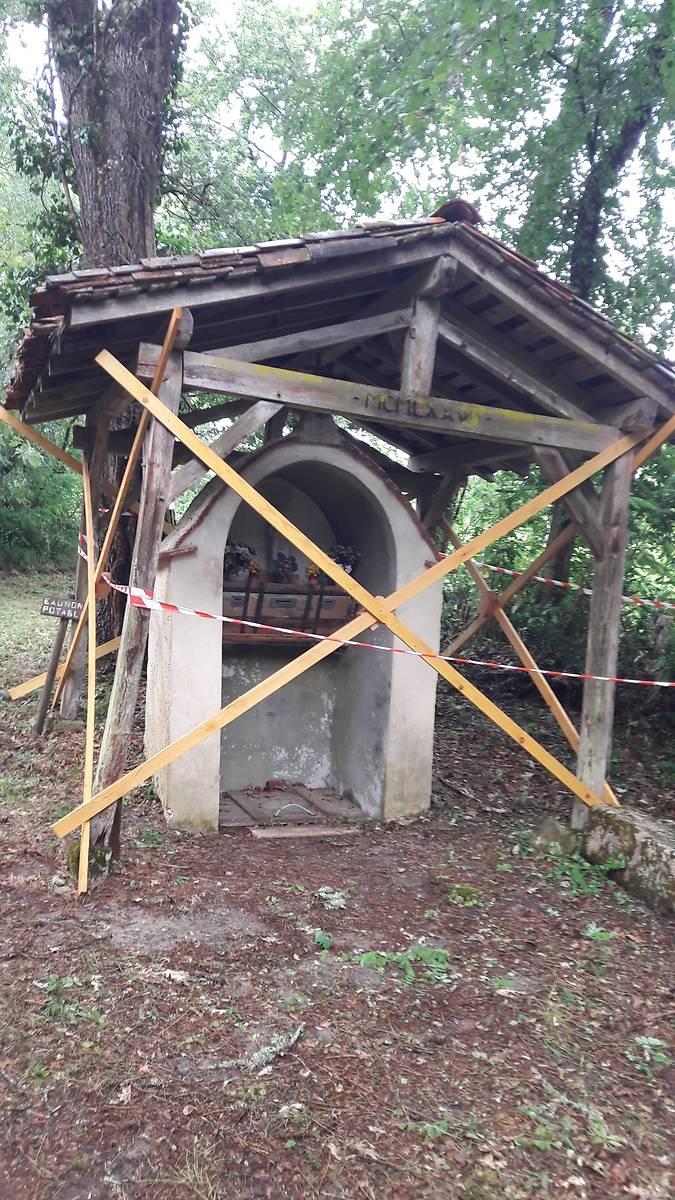 Fontaine Saint Eutrope à Callen avant restauration