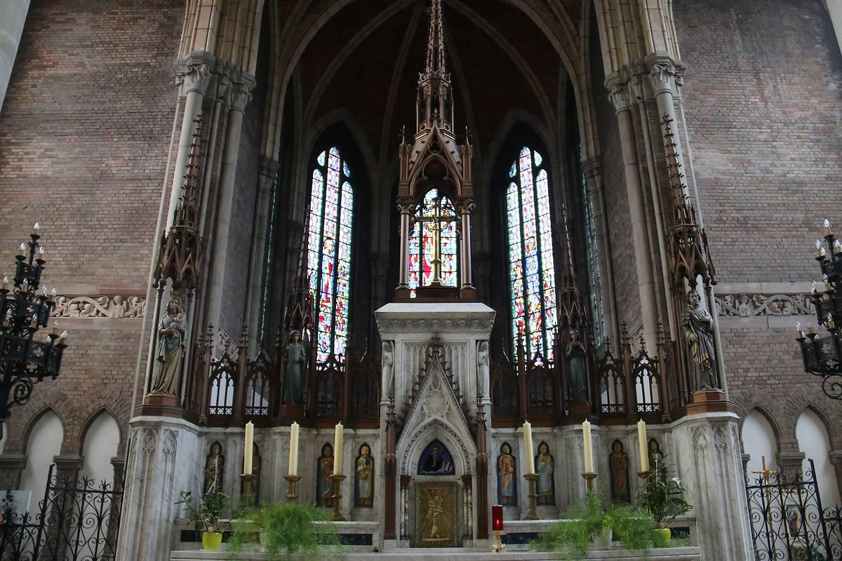 Eglise saint vaast d estaires for Ville d estaires facebook