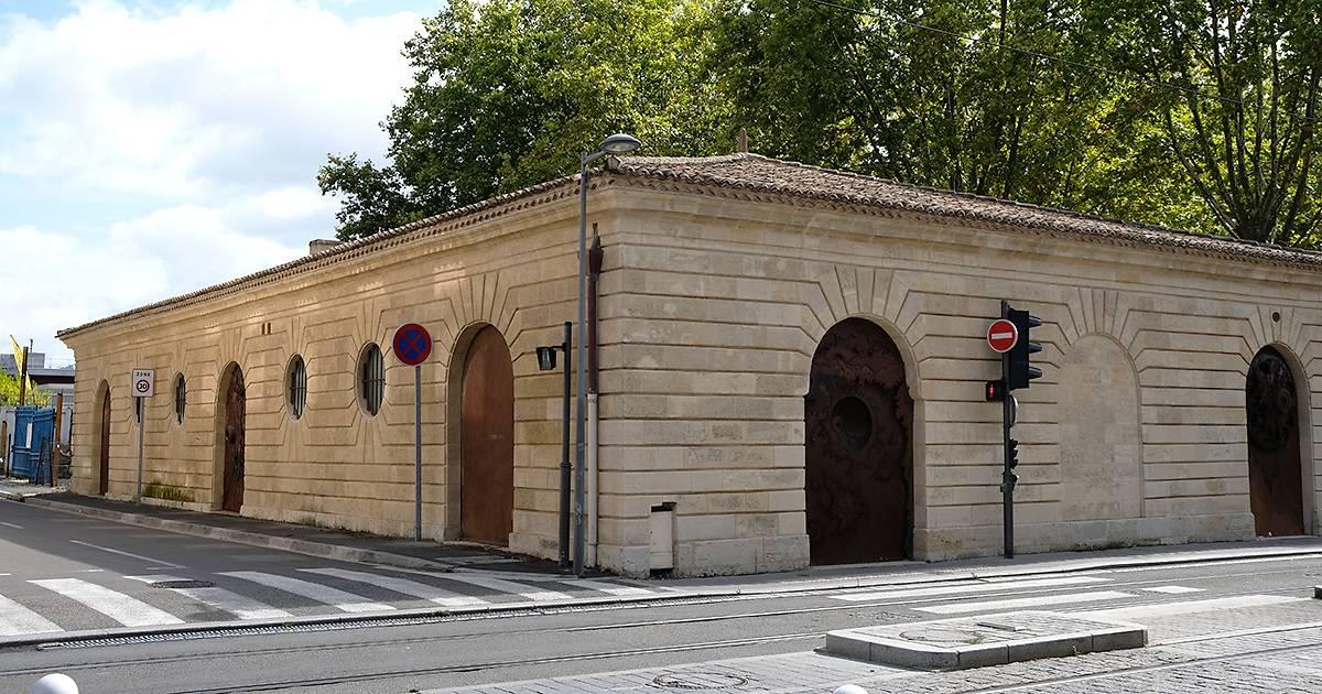 PAVILLONS DES ANCIENS MAGASINS DES VIVRES DE LA MARINE A BORDEAUX