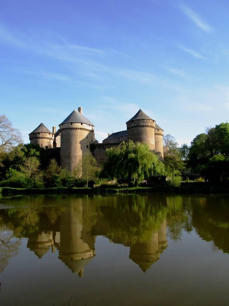 Château de Lassay à Lassay les Châteaux