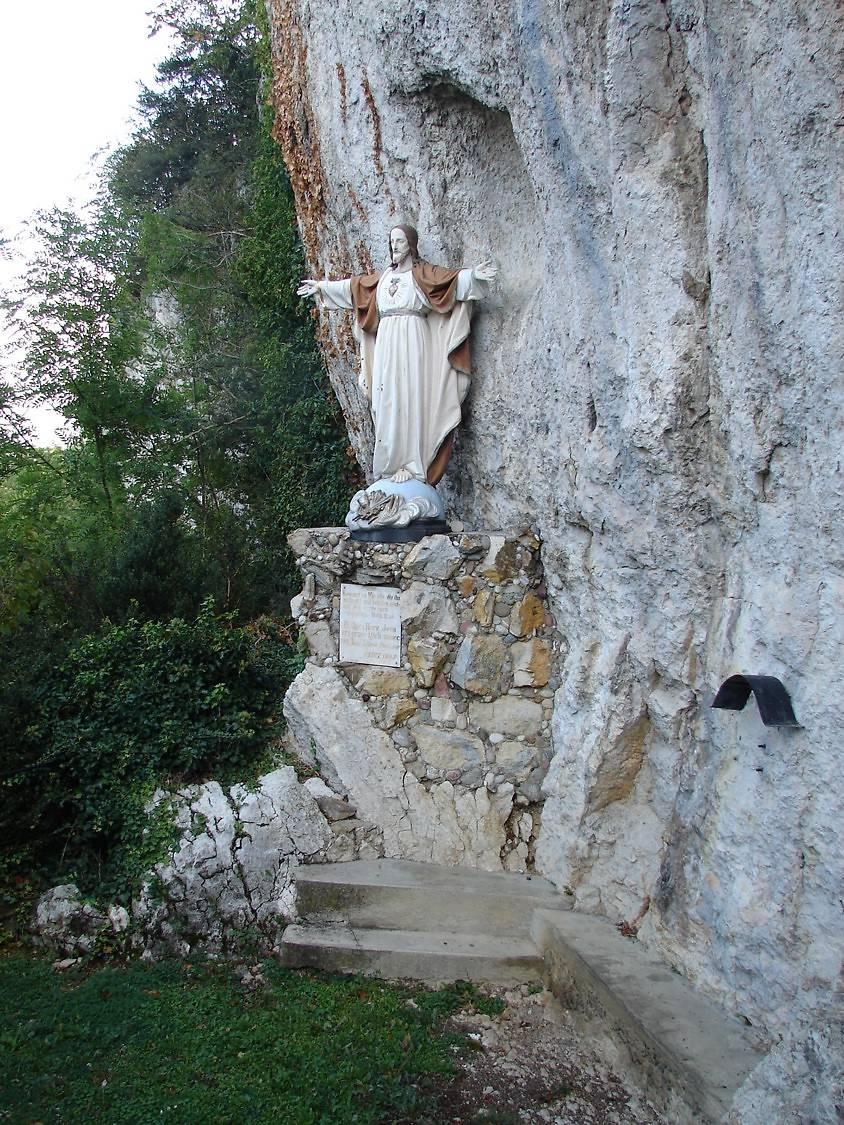 STATUE DU CHRIST SACRE-COEUR DE FERRETTE