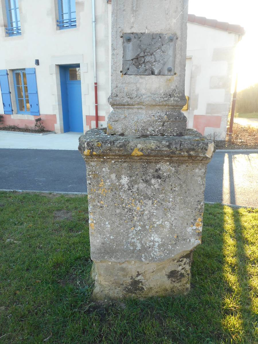Croix Jean Maginot à Seigneulles