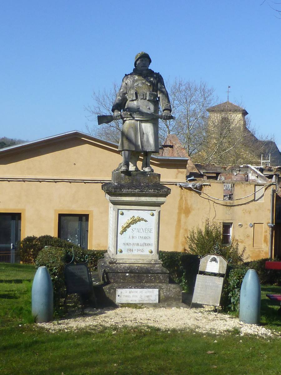 MONUMENT AUX MORTS DE SAINTE-ALVERE, À VAL DE LOUYRE ET CAUDEAU