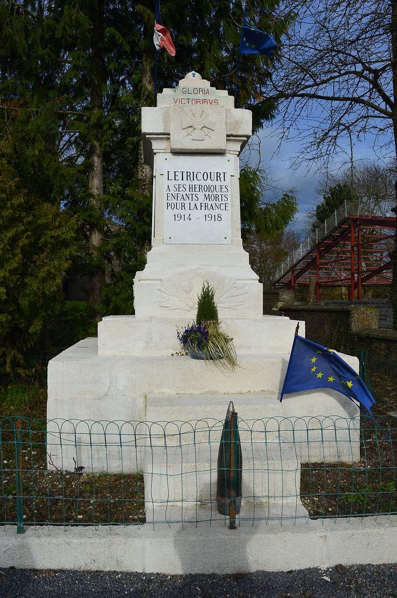 MONUMENT AUX MORTS DE LETRICOURT