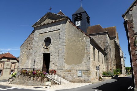 EGLISE SAINT PIERRE SAINT PAUL A BARBONNE FAYEL
