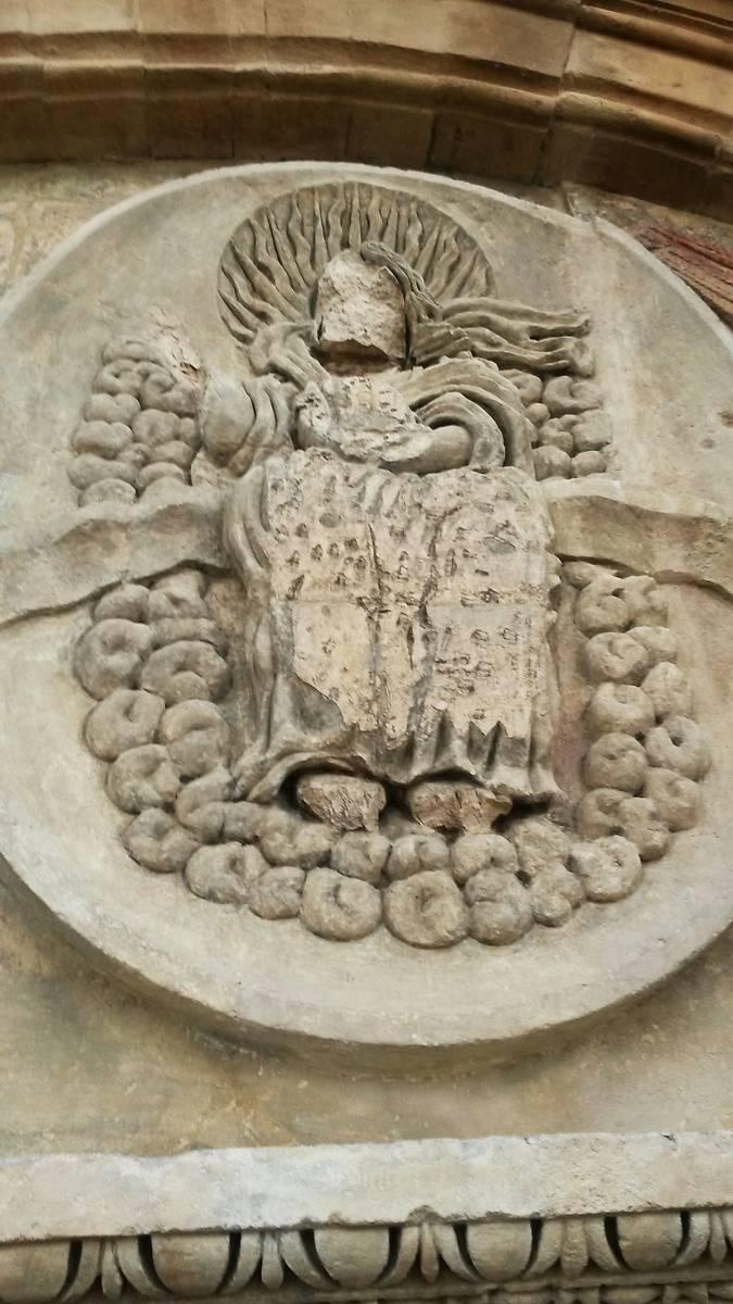 Détail du tympan du 17ème siècle.