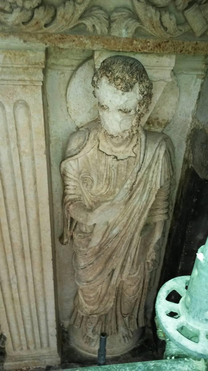 Figure d'apôtre.