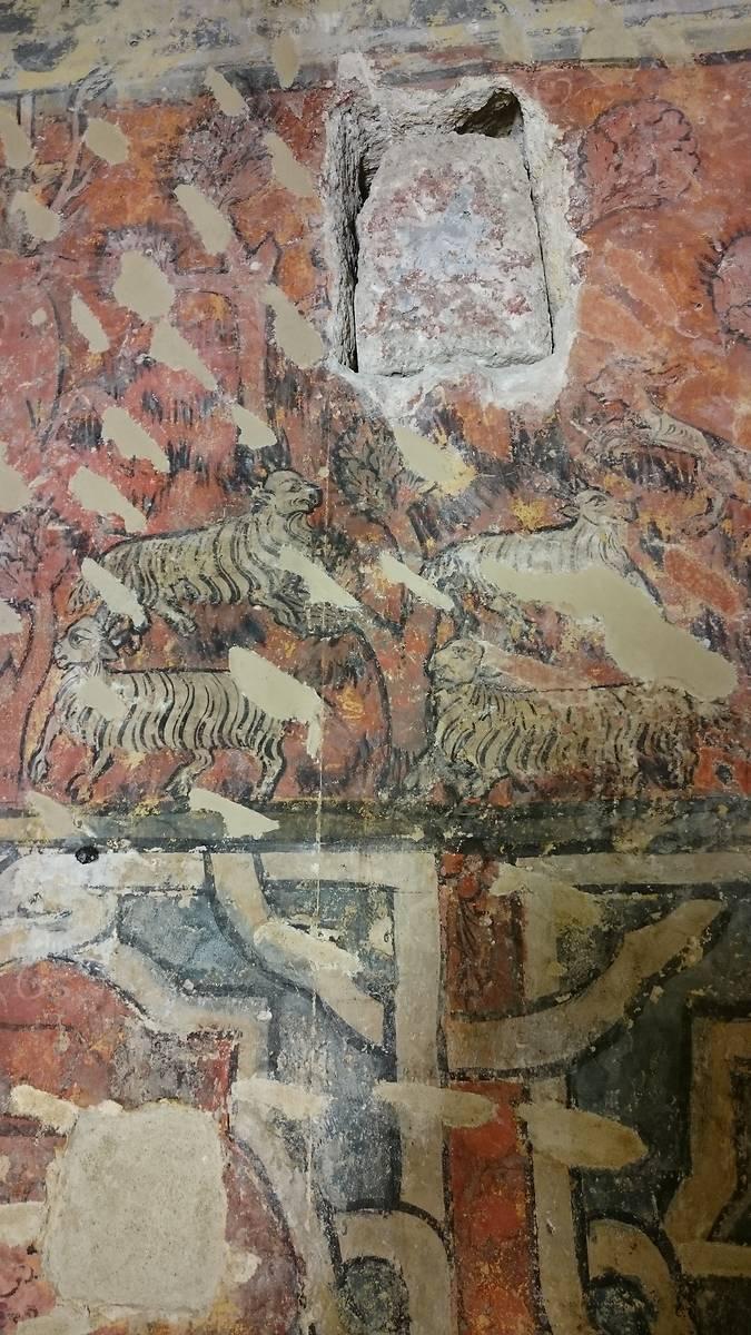 Extrait de la frise sur le vie de saint Eustache. Les moutons et les chênes kermès ne sont pas mentionnés dans la Légende Dorée et sont une adaptation locale.