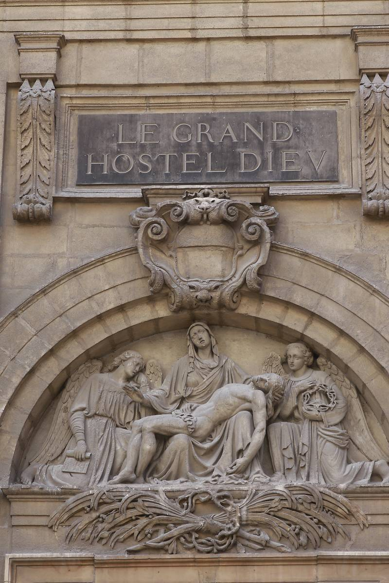 FACADE OCCIDENTALE DU GRAND HOTEL-DIEU DE LYON