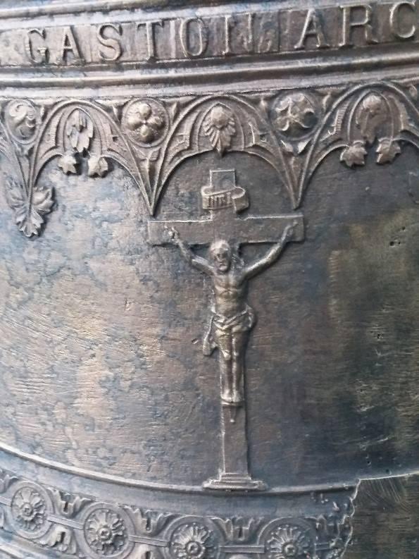 Détails - Cloche de l'église Saint Laurent de Bussy