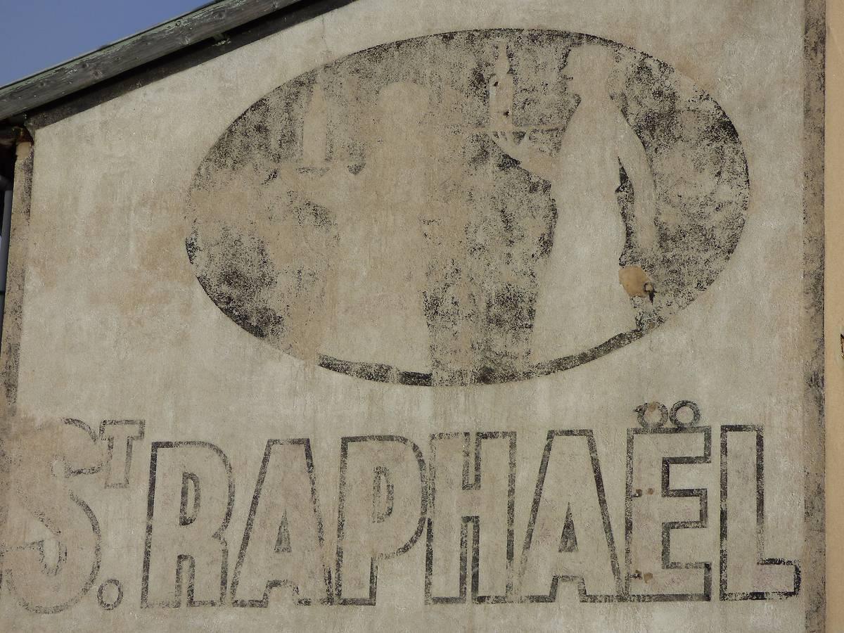 ANCIENNE PUBLICITÉ SAINT-RAPHAËL - RETOURNAC