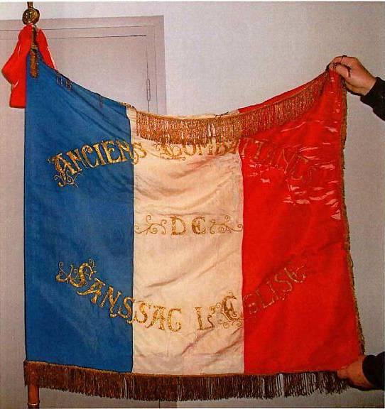 DRAPEAU TRICOLORE - SANSSAC-L'EGLISE