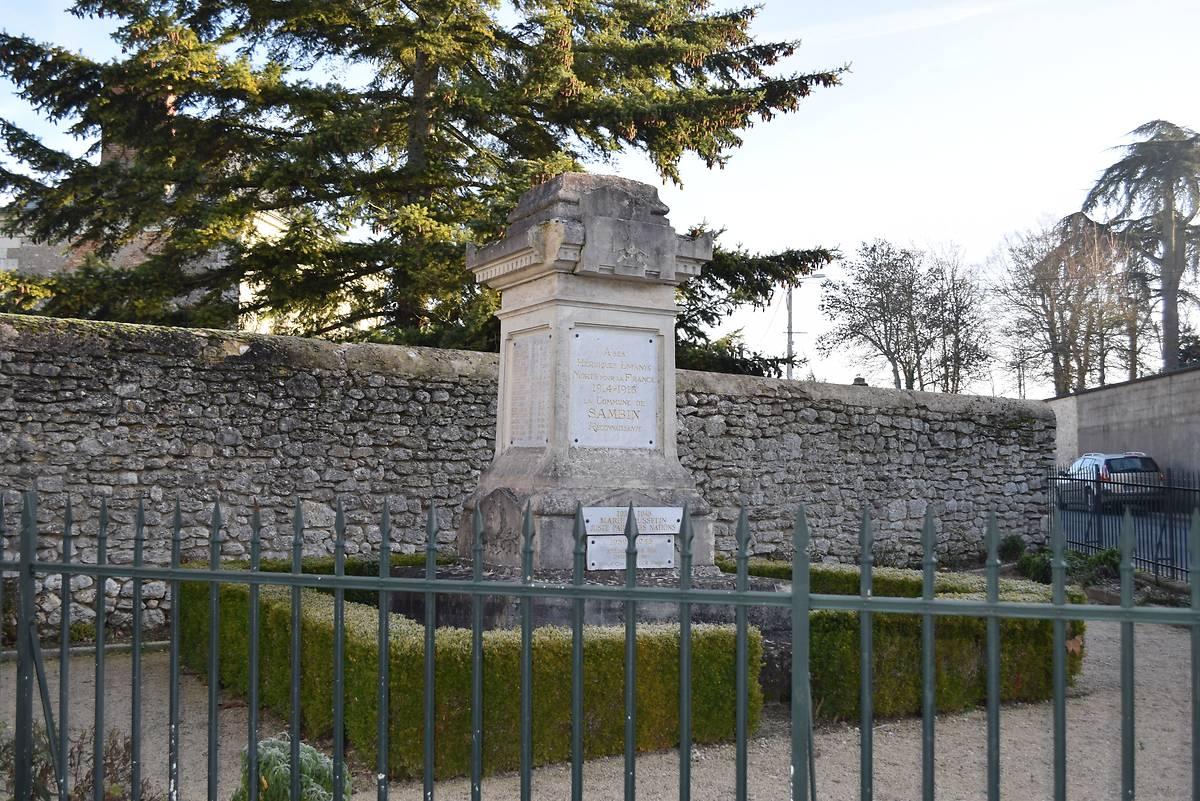 MONUMENT AUX MORTS DE SAMBIN