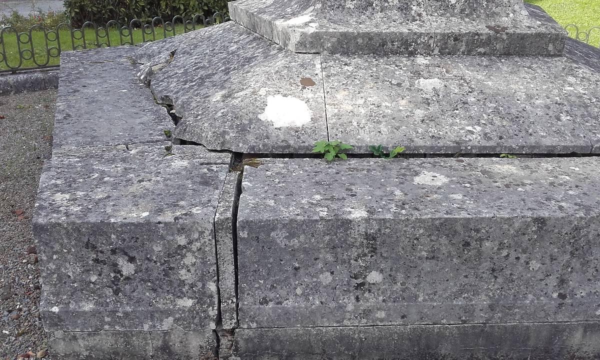 MONUMENT DE CAFFARELLI A LESCHELLE