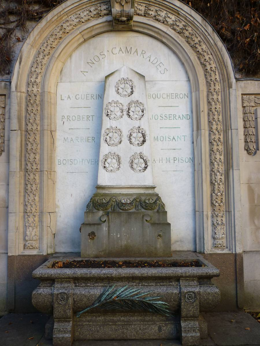 MONUMENT AUX MORTS DE L'ECOLE FORESTIERE DE NANCY